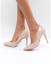 Lipsy - Pointed Gold Detail Court - Lyst