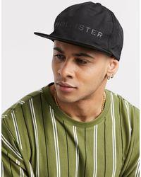 Hollister Cappello con falda piatta e grafica - Multicolore
