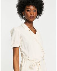 Miss Selfridge Tuta jumpsuit multitasche color crema a maniche corte - Bianco