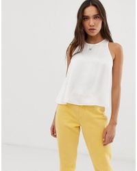 Stradivarius Top recto en blanco