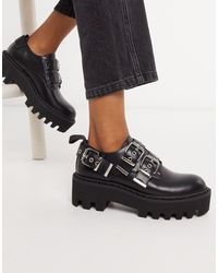 LAMODA Chunky Flat Shoes With Buckles - Black