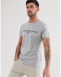 Tommy Hilfiger T-shirt Met Geborduurd Vlaglogo In Gemêleerd Grijs