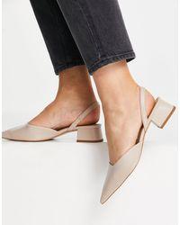 & Other Stories Chaussures pointues à talon et bride arrière en cuir - Beige - Neutre