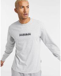 Napapijri - T-shirt a maniche lunghe con riquadro con logo grigia - Lyst