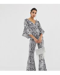 7904657e2a PrettyLittleThing - Flared Sleeve Jumpsuit In Grey Snake - Lyst