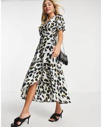 AX Paris - Платье Миди С Запахом И Звериным Принтом -кремовый - Lyst