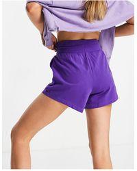 Chelsea Peers Short confort avec taille nouée - Violet