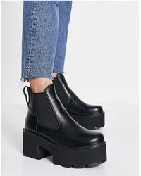 LAMODA Tough Love Chunky Heel Chelsea Boots - Black