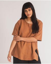 Beaumont Organic Hayley-may Organic Cotton & Linen Top In Tan - Brown