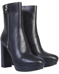 MICHAEL Michael Kors Frenchie Boot With Plateau - Black