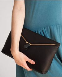 Beaumont Organic Valencia Leather Zip Clutch In - Black