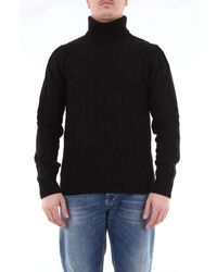 Jeordie's Solid Color Turtleneck With Ribs - Black