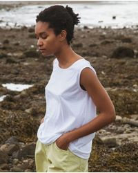 Beaumont Organic Thea Organic Cotton Top In - White