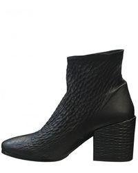 Lorenzo Masiero Women's Heeled Mottled Leather Ankle Black Boot
