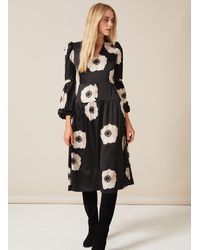 PHOEBE GRACE Daisy Midaxi Dress With V-neck And Puffed Sleeve In Cream And Black Poppy