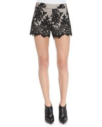 Alice + Olivia Alice  Olivia Contrast Lace Slim Scalloped Shorts Black 0 - Lyst