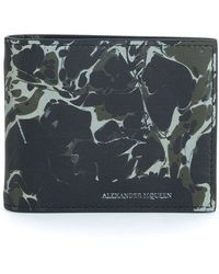 Alexander McQueen Abstract-Print Leather Bi-Fold Wallet black - Lyst