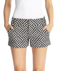 Alice + Olivia Cady Woven Geometric-Patterned Shorts black - Lyst