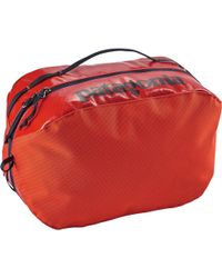 Patagonia Black Hole Cube - Large - Red