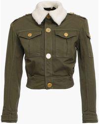 Balmain Khakifarbene Cropped-Jeansjacke mit weißem Kragen in Schaffelloptik - Grün