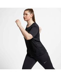 Nike Laufshirt WOMENS SHORT-SLEEVE TOP PLUS SIZE - Schwarz