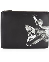 Givenchy Basketball Player Print Leather Pouch - Lyst