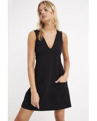 Bemushop V Neck Pocket Black Crepe Short Dress