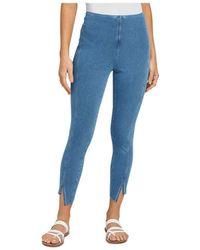 Lyssé Ren Cropped Jeans In Mid Wash - Blue