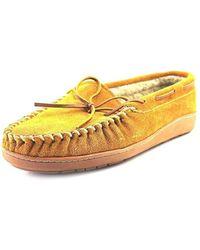Minnetonka - Mens Trevor Traditional Trapper Closed Toe Slip On Slippers - Lyst