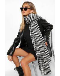 Boohoo Mono Mini Flannel Oversized Scarf - Black