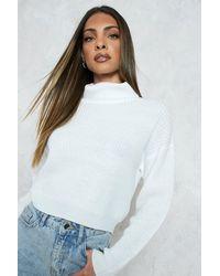 Boohoo Jersey Crop De Cuello Vuelto Y Punto Inglés - Blanco