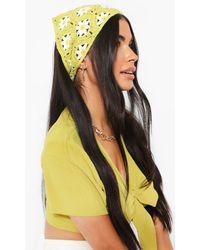 Boohoo - Crochet Daisy Headscarf - Lyst