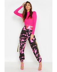 Boohoo Pantalon Cargo Camouflage Fluo - Rose