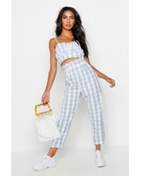Boohoo - Paperbag Belted Gingham Peg Trousers - Lyst