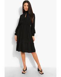 Boohoo Ruffle Neck Midi Dress - Negro