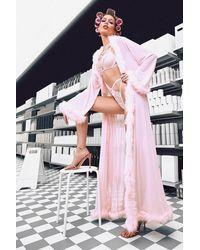 Boohoo Bata Plus De Gemma Collins Estilo Kimono Con Ribete De Pelos - Rosa