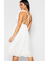 Boohoo Womens Chiffon Pleated Midi Skater Bridesmaid Dress - White
