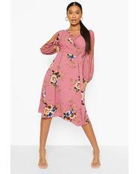 Boohoo Vestido Boutique Cruzado Con Manga Abierta Y Estampado De Flores - Rosa