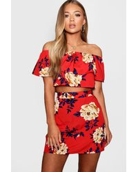Boohoo Floral Ruffle Top And Mini Skirt Set - Red