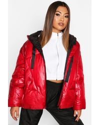 Boohoo Womens Hochglänzende Oversized Puffer Jacke - Rot