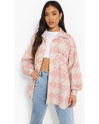 Boohoo Womens Petite Dogtooth Print Oversized Shacket - Pink