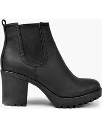 Boohoo - Tia Chunky Cleated Heel Chelsea Boot - Lyst