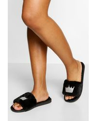 Boohoo Crown Embroidered Slippers - Black