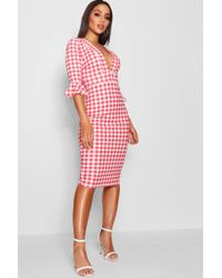 Boohoo - Plunge Neck Gingham Midi Dress - Lyst