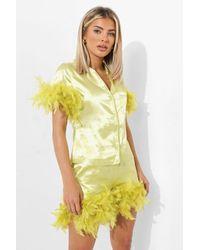Boohoo Pijama Petite Corto Con Ribete De Plumas - Verde