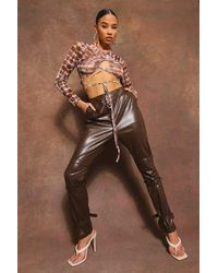 Boohoo Pantalones Skinny Con Detalle De Hebilla De Piel Sintética De Poliuretano - Marrón