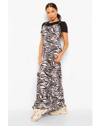 Boohoo Printed Plisse Maxi Slip Dress And T Shirt - Noir