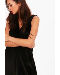 Boohoo - Paige Engraved Detail Arm Cuff - Lyst