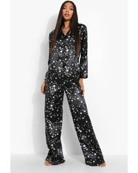Boohoo Pijama Tall De Raso Con Pantalón Largo Y Estampado De Estrellas - Negro