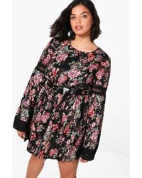 Boohoo - Plus Felicity Floral Printed Lace Trim Skater Dress - Lyst